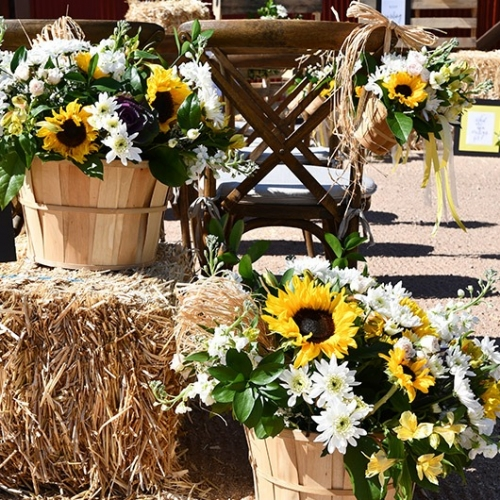 flower handle basket for the aisle way