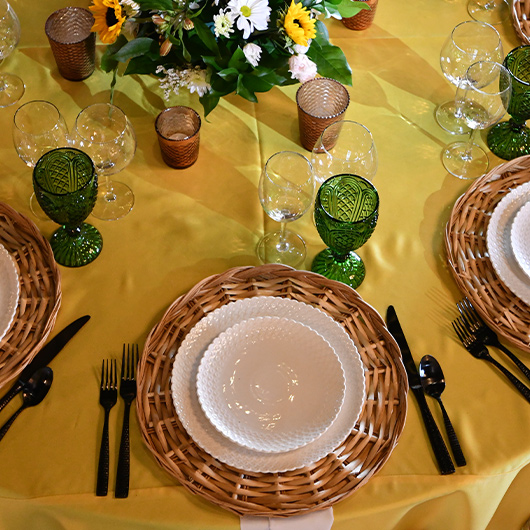 table setting for country wedding
