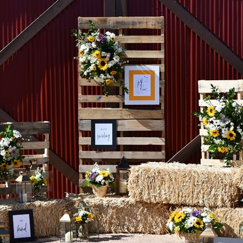 wooden pallets for a country chic wedding